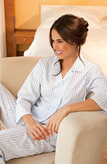 low priced a2871 ed3c4 Novila Damen Pyjama Nora Baumwolle, weiß-blau kariert ...