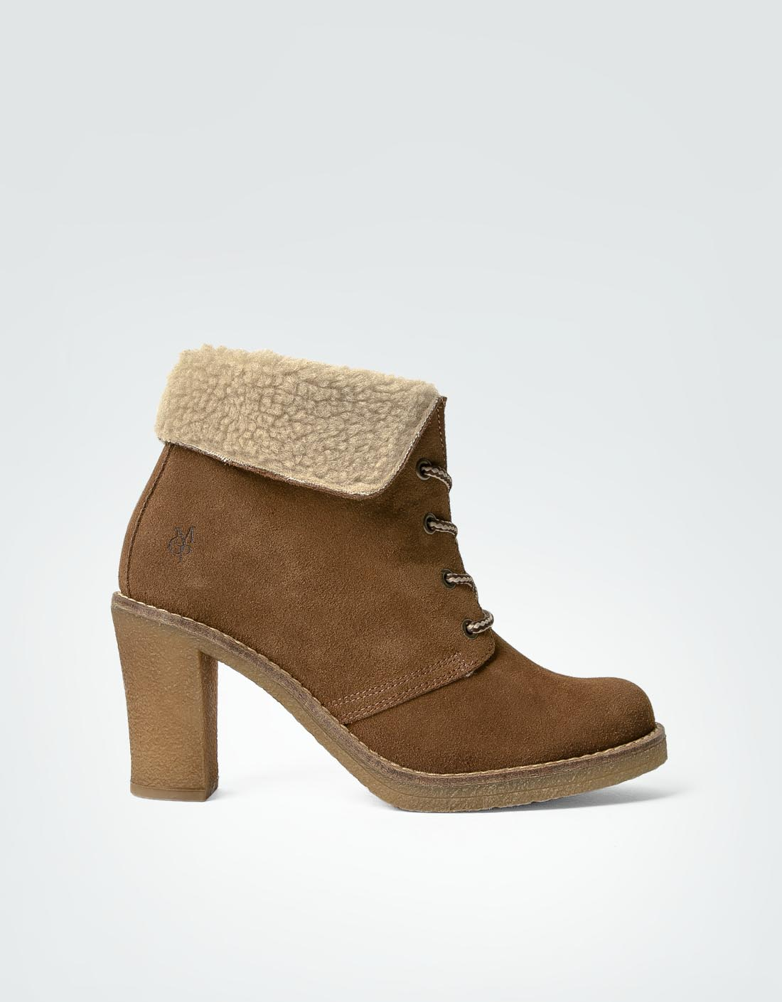 marc o 39 polo damen desert boot stiefelette aus veloursleder empfohlen von deinen schwestern. Black Bedroom Furniture Sets. Home Design Ideas