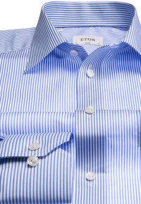 ETON Classic Fit Kent blau-weiß