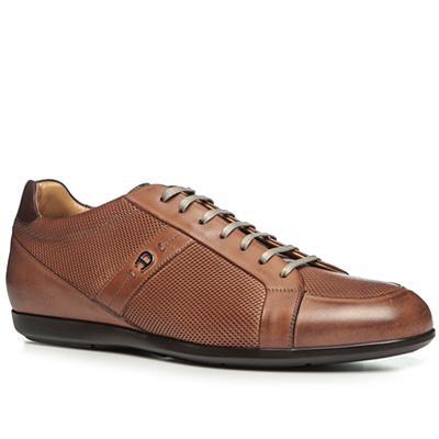 Artikel klicken und genauer betrachten! - Sneaker aus perforiertem Leder von AIGNER Sportive Eleganz für einen äußerst stilvollen Sneaker. Das exklusive Design wird durch die perforierte Optik und den Kontrastpatch an der Ferse akzentuiert. Luxuriöse Premium-Schuhe für jeden Tag! Modell: Dustin 5 Details: Sneaker, Schnürschuh, bequeme Form, Fersenkappe nach vorne verlängert, hoher Tragekomfort, mit runder Kappe, mit zusätzlichen Schnürsenkeln, weich gepolsterter Schaftrand Obermaterial: Leder Innenfutter: Braun, schwarz, Leder, Decksohle aus Leder, herausnehmbare Einlegesohle Sohle: Kontrastfarbene Gummisohle, rutschfest, widerstandsfähig Farbe: Cognac Besonderheiten: Hergestellt in Italien Fein perforierte Optik vorne und seitlich Glattleder-Details Ferse mit hochgezogenem Schaftrand und Patch in Dunkelbraun Beschichtete Schnürsenkel in Beige Sohle mit feinem Rillenprofil Label / Logo: Hufeisen-A in Silber-Metallic seitlich außen Lasche mit Kontrast-Patch Inklusive Stoffbeutel mit Aufdruck   im Online Shop kaufen