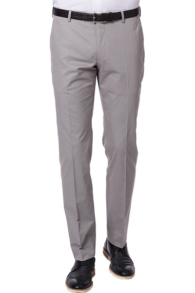 Artikel klicken und genauer betrachten! - Hose aus Baumwolle von JOOP! Hier treffen klassische Details auf moderne Chinoeigenschaften - diese Hose ist der ideale Anzughosenersatz: seitliche Eingrifftaschen, Bügelfalte, Stoßband. Die leichte Feintwill-Qualität sorgt für einen angenehmen Tragekomfort - das perfekte Modell zu Hemd und Sakko.   im Online Shop kaufen