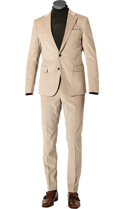 Artikel klicken und genauer betrachten! - Cord-Anzug im Slim Fit aus italienischem Baumwoll-Stretch von JOOP! Modern und chic - in weicher, feinster Cord Qualität ist dieser Anzug nicht nur absolut komfortabel, sondern auch super modisch. Hinzu kommt die schmale Passform, die Ihre schlanke Figur optimal zur Geltung bringt. Mit Einstecktuch Optik und Ziernähten in Handstich Optik ist dieser Zweiteiler ein stilvolles Modell für gepflegte Casual Looks.   im Online Shop kaufen
